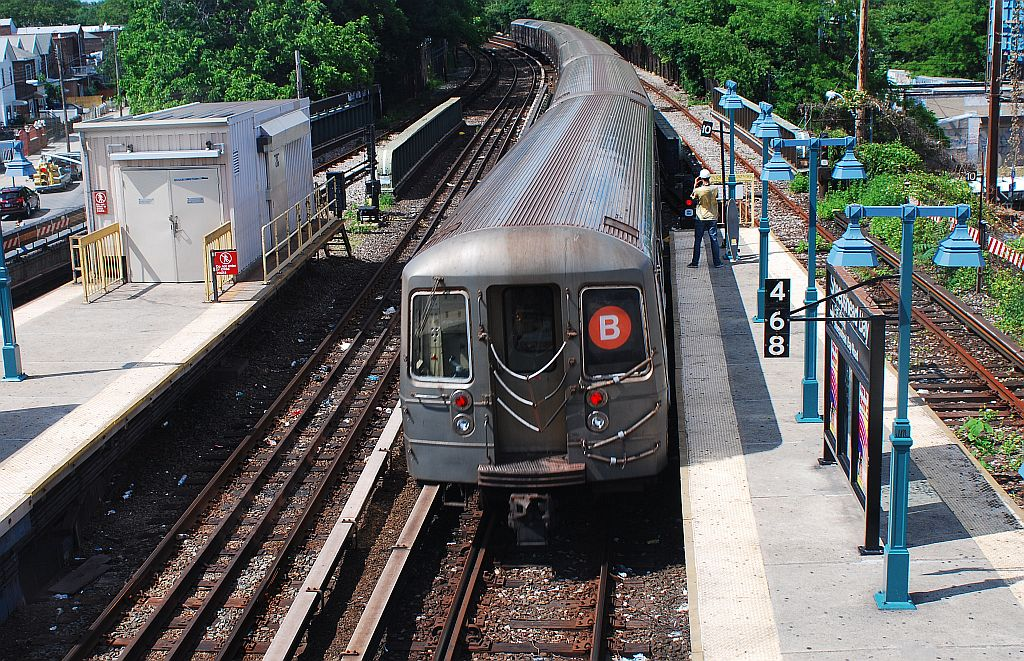 (313k, 1024x661)<br><b>Country:</b> United States<br><b>City:</b> New York<br><b>System:</b> New York City Transit<br><b>Line:</b> BMT Brighton Line<br><b>Location:</b> Sheepshead Bay <br><b>Route:</b> B<br><b>Car:</b> R-68/R-68A Series (Number Unknown)  <br><b>Photo by:</b> Richard Chase<br><b>Date:</b> 6/7/2010<br><b>Viewed (this week/total):</b> 2 / 739