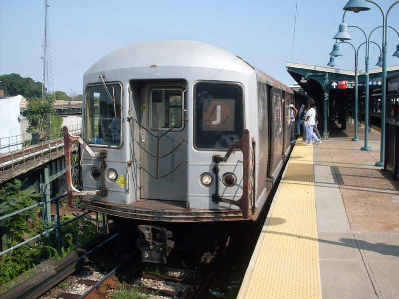 (82k, 800x600)<br><b>Country:</b> United States<br><b>City:</b> New York<br><b>System:</b> New York City Transit<br><b>Line:</b> BMT Nassau Street/Jamaica Line<br><b>Location:</b> Broadway/East New York (Broadway Junction) <br><b>Route:</b> J<br><b>Car:</b> R-42 (St. Louis, 1969-1970)  4830 <br><b>Photo by:</b> Anthony Modesto<br><b>Date:</b> 8/31/2009<br><b>Viewed (this week/total):</b> 3 / 799