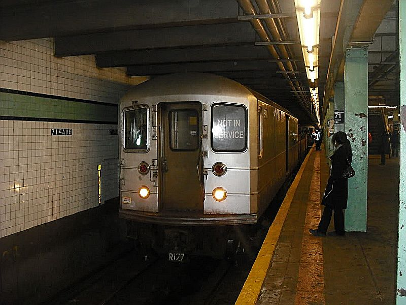 (102k, 800x600)<br><b>Country:</b> United States<br><b>City:</b> New York<br><b>System:</b> New York City Transit<br><b>Line:</b> IND Queens Boulevard Line<br><b>Location:</b> 71st/Continental Aves./Forest Hills <br><b>Route:</b> Work Service<br><b>Car:</b> R-127/R-134 (Kawasaki, 1991-1996)  <br><b>Photo by:</b> Alize Jarrett<br><b>Date:</b> 1/2/2010<br><b>Viewed (this week/total):</b> 4 / 886
