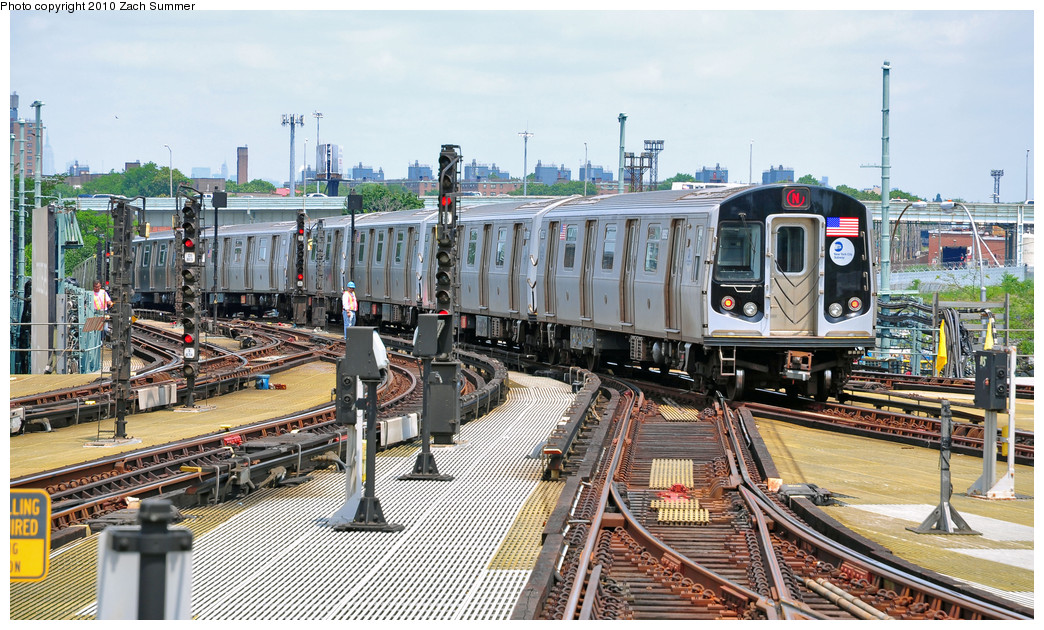 (317k, 1044x630)<br><b>Country:</b> United States<br><b>City:</b> New York<br><b>System:</b> New York City Transit<br><b>Location:</b> Coney Island/Stillwell Avenue<br><b>Route:</b> N<br><b>Car:</b> R-160B (Kawasaki, 2005-2008)  8892 <br><b>Photo by:</b> Zach Summer<br><b>Date:</b> 6/23/2010<br><b>Viewed (this week/total):</b> 2 / 919