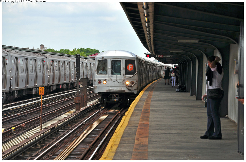 (245k, 1044x685)<br><b>Country:</b> United States<br><b>City:</b> New York<br><b>System:</b> New York City Transit<br><b>Line:</b> BMT Culver Line<br><b>Location:</b> Avenue X <br><b>Route:</b> F<br><b>Car:</b> R-46 (Pullman-Standard, 1974-75) 5496 <br><b>Photo by:</b> Zach Summer<br><b>Date:</b> 6/23/2010<br><b>Notes:</b> G.O. F Wrong-Railing into Avenue X<br><b>Viewed (this week/total):</b> 1 / 875