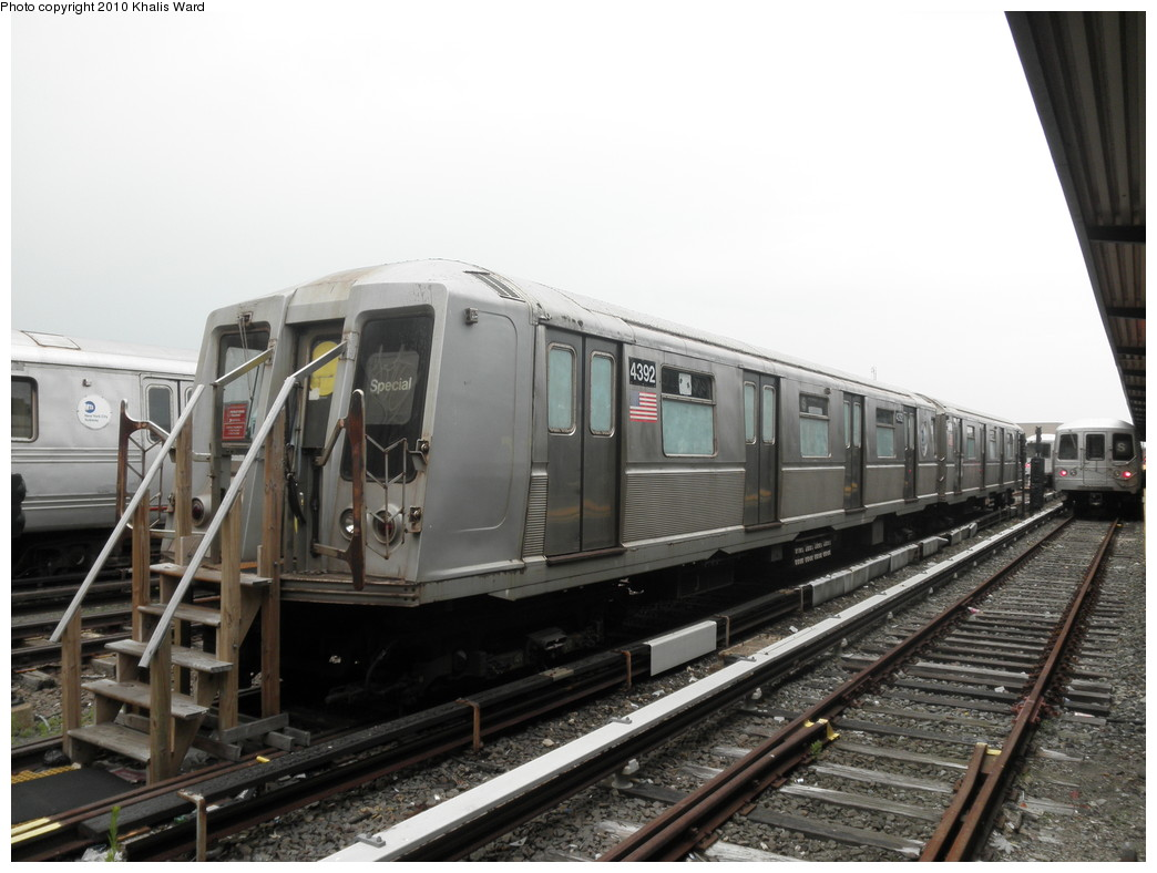 (192k, 1044x788)<br><b>Country:</b> United States<br><b>City:</b> New York<br><b>System:</b> New York City Transit<br><b>Location:</b> Rockaway Park Yard<br><b>Car:</b> R-40 (St. Louis, 1968)  4392 <br><b>Photo by:</b> Khalis Ward<br><b>Date:</b> 6/6/2010<br><b>Viewed (this week/total):</b> 3 / 1825