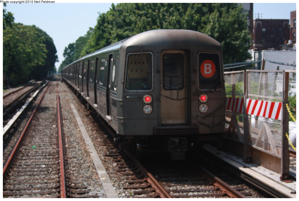 (192k, 1044x703)<br><b>Country:</b> United States<br><b>City:</b> New York<br><b>System:</b> New York City Transit<br><b>Line:</b> BMT Brighton Line<br><b>Location:</b> Avenue J <br><b>Route:</b> B<br><b>Car:</b> R-68 (Westinghouse-Amrail, 1986-1988)  2914 <br><b>Photo by:</b> Neil Feldman<br><b>Date:</b> 6/28/2010<br><b>Viewed (this week/total):</b> 2 / 393