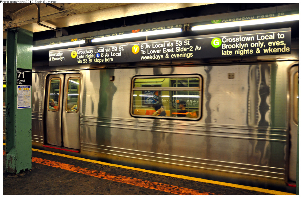 (296k, 1044x685)<br><b>Country:</b> United States<br><b>City:</b> New York<br><b>System:</b> New York City Transit<br><b>Line:</b> IND Queens Boulevard Line<br><b>Location:</b> 71st/Continental Aves./Forest Hills <br><b>Photo by:</b> Zach Summer<br><b>Date:</b> 6/24/2010<br><b>Notes:</b> Prior to updating the signs for M/V swap and G cutback<br><b>Viewed (this week/total):</b> 2 / 1755