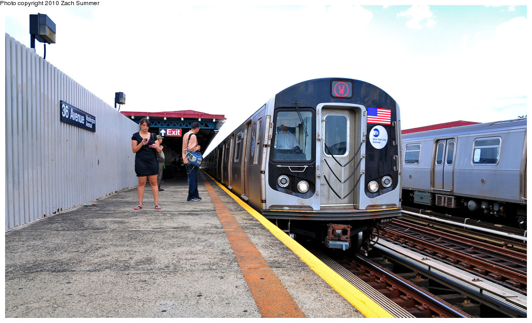 (245k, 1044x635)<br><b>Country:</b> United States<br><b>City:</b> New York<br><b>System:</b> New York City Transit<br><b>Line:</b> BMT Astoria Line<br><b>Location:</b> 36th/Washington Aves. <br><b>Route:</b> W<br><b>Car:</b> R-160B (Option 1) (Kawasaki, 2008-2009)  9068 <br><b>Photo by:</b> Zach Summer<br><b>Date:</b> 6/25/2010<br><b>Notes:</b> Last Day of W Service<br><b>Viewed (this week/total):</b> 1 / 634