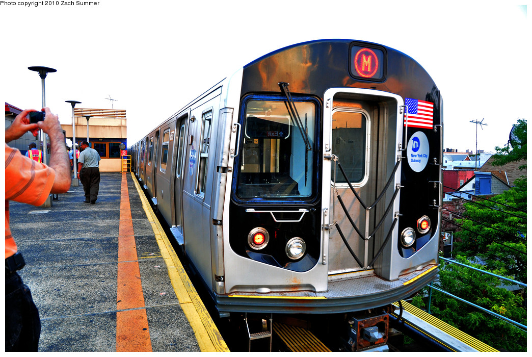 (331k, 1044x700)<br><b>Country:</b> United States<br><b>City:</b> New York<br><b>System:</b> New York City Transit<br><b>Line:</b> BMT West End Line<br><b>Location:</b> Bay Parkway <br><b>Route:</b> M<br><b>Car:</b> R-160A-1 (Alstom, 2005-2008, 4 car sets)  8576 <br><b>Photo by:</b> Zach Summer<br><b>Date:</b> 6/25/2010<br><b>Notes:</b> The last Bay Parkway-bound M train departs Bay Parkway and runs light to Coney Island Yard.<br><b>Viewed (this week/total):</b> 2 / 806
