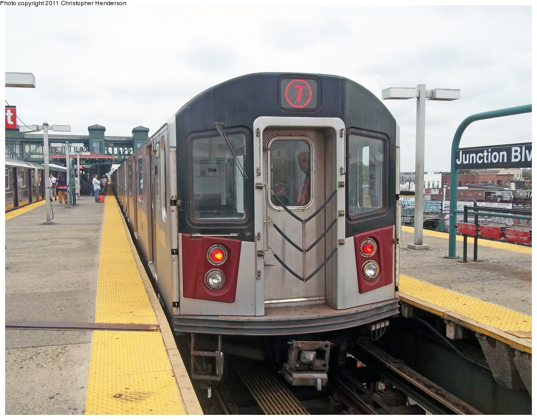 (363k, 1044x817)<br><b>Country:</b> United States<br><b>City:</b> New York<br><b>System:</b> New York City Transit<br><b>Line:</b> IRT Flushing Line<br><b>Location:</b> Junction Boulevard <br><b>Route:</b> 7 testing<br><b>Car:</b> R-188 (R-142A Conversion, Kawasaki, 1999-2002) 7271 <br><b>Photo by:</b> Christopher Henderson<br><b>Date:</b> 9/21/2011<br><b>Viewed (this week/total):</b> 1 / 1964