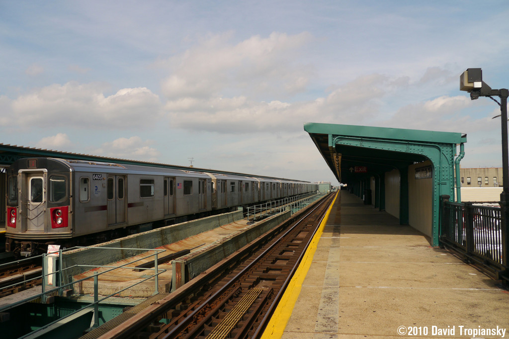 (215k, 1024x682)<br><b>Country:</b> United States<br><b>City:</b> New York<br><b>System:</b> New York City Transit<br><b>Line:</b> IRT Brooklyn Line<br><b>Location:</b> Pennsylvania Avenue <br><b>Route:</b> 2<br><b>Car:</b> R-142 (Primary Order, Bombardier, 1999-2002)  6405 <br><b>Photo by:</b> David Tropiansky<br><b>Date:</b> 7/15/2010<br><b>Viewed (this week/total):</b> 2 / 1162