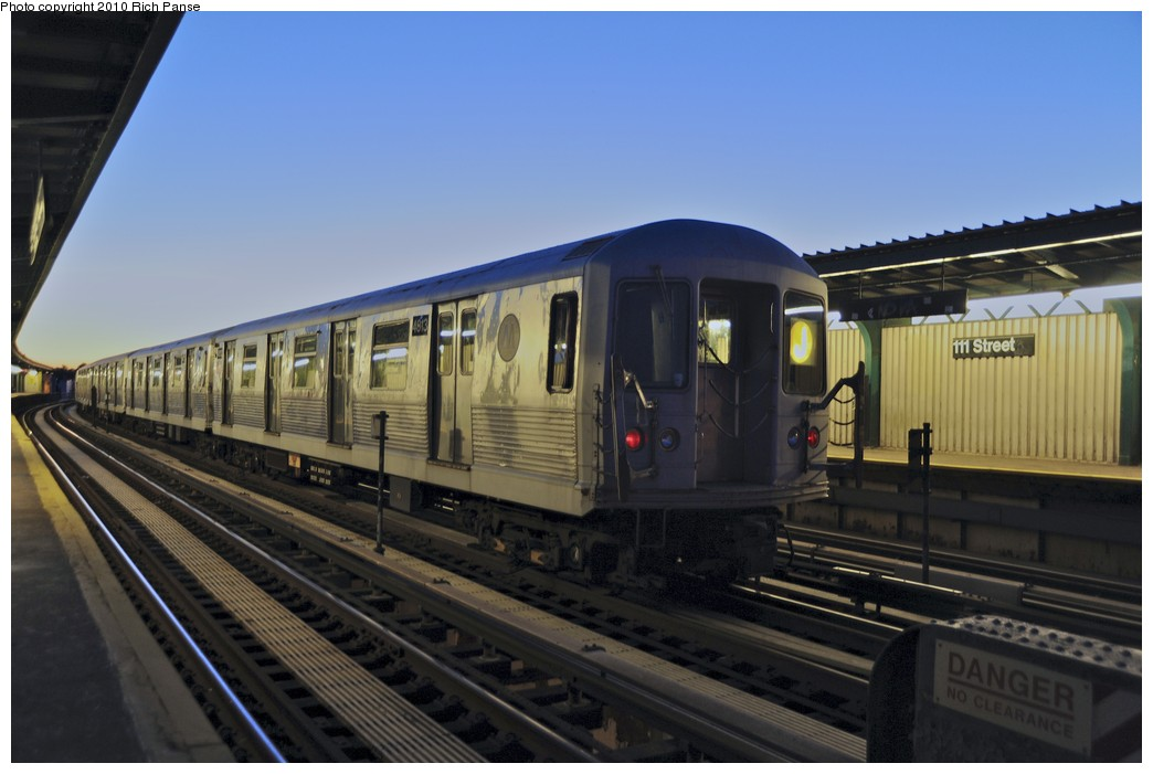 (140k, 1044x701)<br><b>Country:</b> United States<br><b>City:</b> New York<br><b>System:</b> New York City Transit<br><b>Line:</b> BMT Nassau Street/Jamaica Line<br><b>Location:</b> 111th Street <br><b>Route:</b> J layup<br><b>Car:</b> R-42 (St. Louis, 1969-1970)  4813 <br><b>Photo by:</b> Richard Panse<br><b>Date:</b> 9/11/2010<br><b>Viewed (this week/total):</b> 1 / 2019
