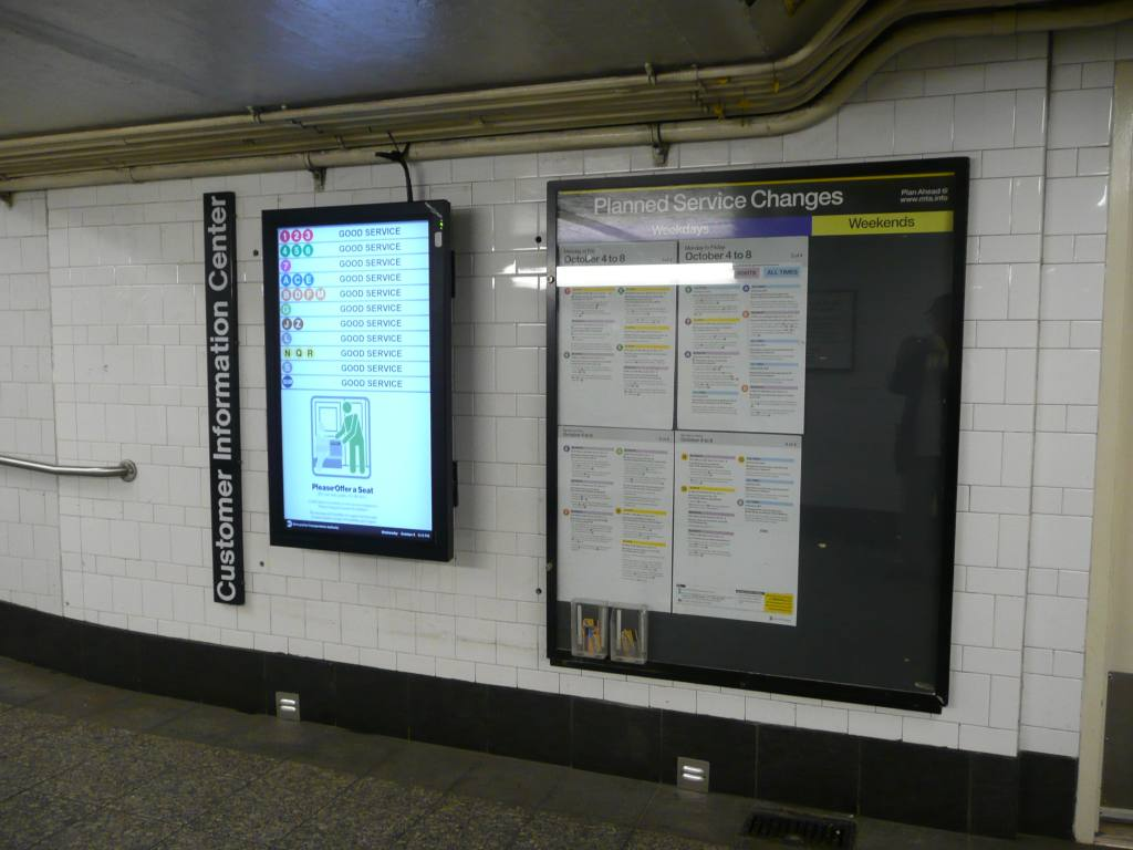 (101k, 1024x768)<br><b>Country:</b> United States<br><b>City:</b> New York<br><b>System:</b> New York City Transit<br><b>Line:</b> BMT 4th Avenue<br><b>Location:</b> Pacific Street <br><b>Photo by:</b> Robbie Rosenfeld<br><b>Date:</b> 10/6/2010<br><b>Notes:</b> Subway service status sign at Pacific St station mezzanine.<br><b>Viewed (this week/total):</b> 0 / 512