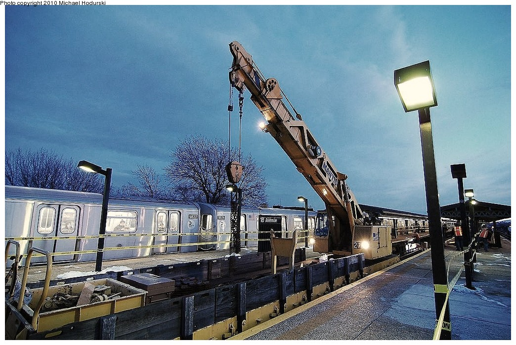 (303k, 1044x699)<br><b>Country:</b> United States<br><b>City:</b> New York<br><b>System:</b> New York City Transit<br><b>Line:</b> BMT Culver Line<br><b>Location:</b> 18th Avenue <br><b>Route:</b> Work Service<br><b>Car:</b> R-113 Crane Car  270 <br><b>Photo by:</b> Michael Hodurski<br><b>Date:</b> 1/2/2010<br><b>Viewed (this week/total):</b> 3 / 800