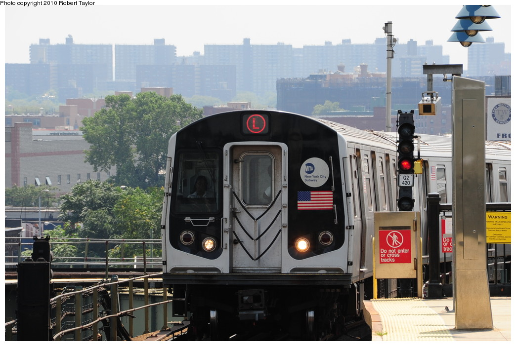 (251k, 1044x701)<br><b>Country:</b> United States<br><b>City:</b> New York<br><b>System:</b> New York City Transit<br><b>Line:</b> BMT Canarsie Line<br><b>Location:</b> Broadway Junction <br><b>Route:</b> L<br><b>Car:</b> R-143 (Kawasaki, 2001-2002)  <br><b>Photo by:</b> Robert Taylor<br><b>Date:</b> 8/4/2009<br><b>Viewed (this week/total):</b> 3 / 322