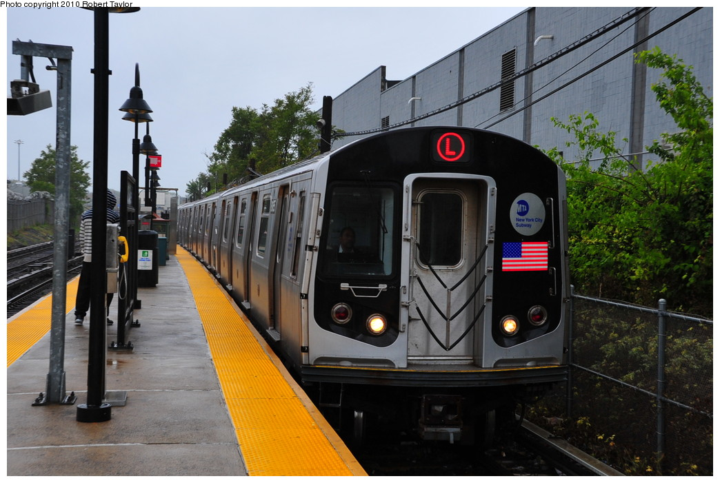 (267k, 1044x701)<br><b>Country:</b> United States<br><b>City:</b> New York<br><b>System:</b> New York City Transit<br><b>Line:</b> BMT Canarsie Line<br><b>Location:</b> East 105th Street <br><b>Route:</b> L<br><b>Car:</b> R-143 (Kawasaki, 2001-2002)  <br><b>Photo by:</b> Robert Taylor<br><b>Date:</b> 5/12/2010<br><b>Viewed (this week/total):</b> 0 / 1035