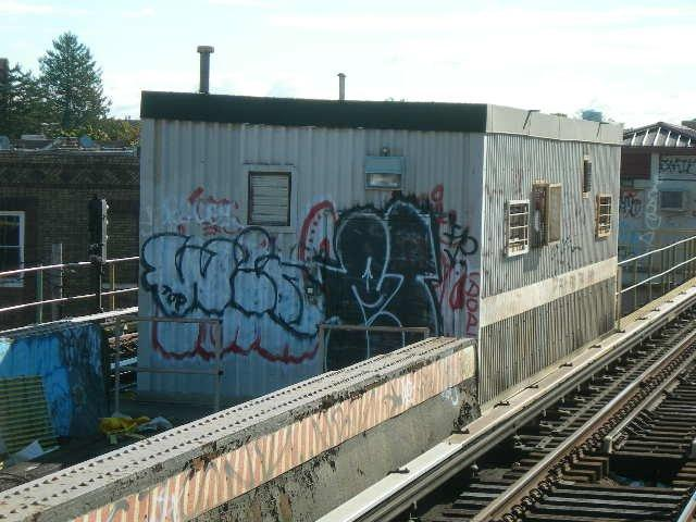 (58k, 640x480)<br><b>Country:</b> United States<br><b>City:</b> New York<br><b>System:</b> New York City Transit<br><b>Line:</b> BMT Nassau Street/Jamaica Line<br><b>Location:</b> 102nd-104th Streets <br><b>Photo by:</b> Joe Grillo<br><b>Notes:</b> Utility rooms in center trackway<br><b>Viewed (this week/total):</b> 0 / 322