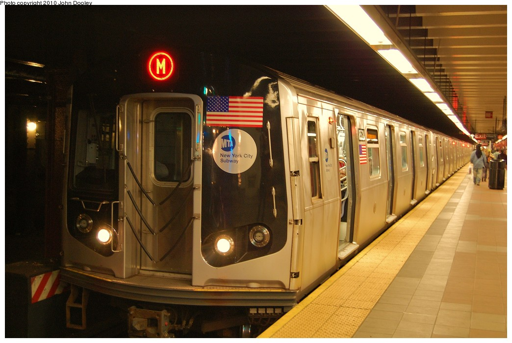 (216k, 1044x701)<br><b>Country:</b> United States<br><b>City:</b> New York<br><b>System:</b> New York City Transit<br><b>Line:</b> BMT Nassau Street/Jamaica Line<br><b>Location:</b> Essex Street <br><b>Route:</b> L<br><b>Car:</b> R-160A-1 (Alstom, 2005-2008, 4 car sets)  8524 <br><b>Photo by:</b> John Dooley<br><b>Date:</b> 10/28/2010<br><b>Viewed (this week/total):</b> 3 / 647