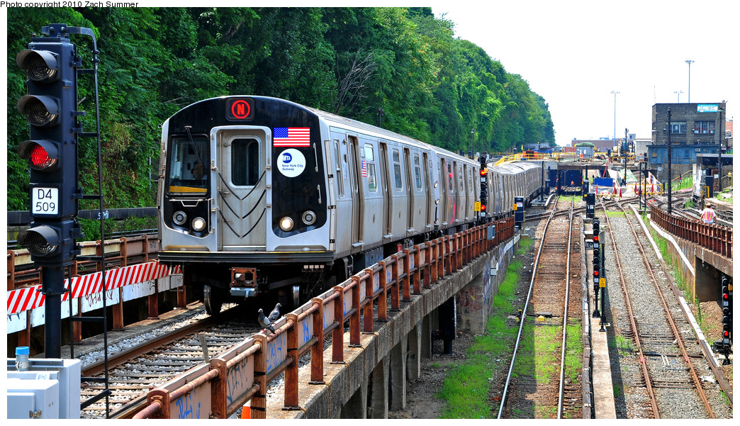 (367k, 1044x601)<br><b>Country:</b> United States<br><b>City:</b> New York<br><b>System:</b> New York City Transit<br><b>Line:</b> BMT West End Line<br><b>Location:</b> 9th Avenue <br><b>Route:</b> N Re-route<br><b>Car:</b> R-160B (Option 1) (Kawasaki, 2008-2009)  9003 <br><b>Photo by:</b> Zach Summer<br><b>Date:</b> 7/6/2010<br><b>Viewed (this week/total):</b> 0 / 887