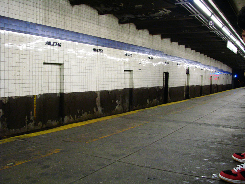 (144k, 800x600)<br><b>Country:</b> United States<br><b>City:</b> New York<br><b>System:</b> New York City Transit<br><b>Line:</b> IND 6th Avenue Line<br><b>Location:</b> East Broadway <br><b>Photo by:</b> Bill E.<br><b>Date:</b> 8/27/2010<br><b>Viewed (this week/total):</b> 5 / 468