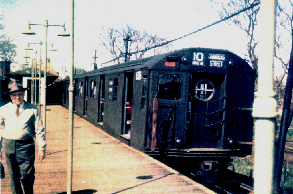 (169k, 1024x680)<br><b>Country:</b> United States<br><b>City:</b> New York<br><b>System:</b> New York City Transit<br><b>Line:</b> BMT Myrtle Avenue Line<br><b>Location:</b> Metropolitan Avenue <br><b>Car:</b> R-16 (American Car & Foundry, 1955) 6335 <br><b>Collection of:</b> George Conrad Collection<br><b>Date:</b> 1960<br><b>Viewed (this week/total):</b> 0 / 1094