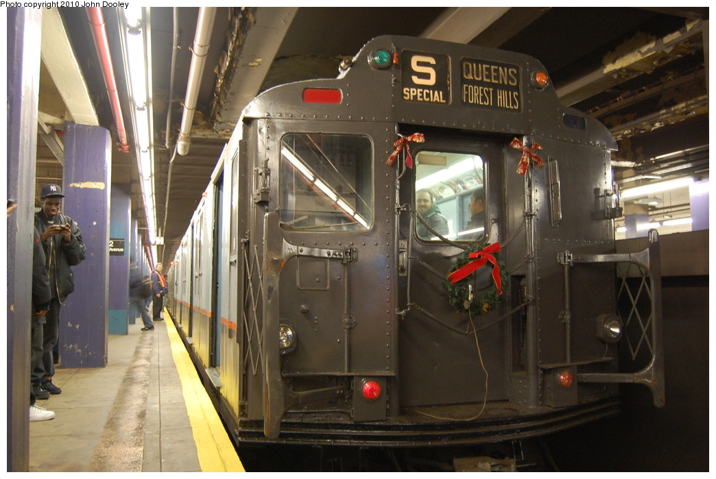 (253k, 1044x699)<br><b>Country:</b> United States<br><b>City:</b> New York<br><b>System:</b> New York City Transit<br><b>Line:</b> IND 6th Avenue Line<br><b>Location:</b> 2nd Avenue <br><b>Route:</b> Fan Trip<br><b>Car:</b> R-7A (Pullman, 1938)  1575 <br><b>Photo by:</b> John Dooley<br><b>Date:</b> 11/28/2010<br><b>Notes:</b> Shoppers Special service.<br><b>Viewed (this week/total):</b> 5 / 756