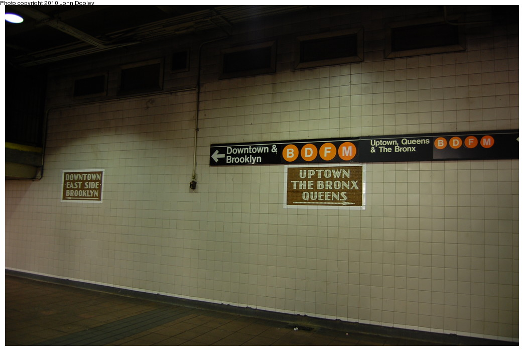 (186k, 1044x699)<br><b>Country:</b> United States<br><b>City:</b> New York<br><b>System:</b> New York City Transit<br><b>Line:</b> IND 6th Avenue Line<br><b>Location:</b> 34th Street/Herald Square <br><b>Photo by:</b> John Dooley<br><b>Date:</b> 11/28/2010<br><b>Notes:</b> Mosaics in north-end ramp.<br><b>Viewed (this week/total):</b> 4 / 907