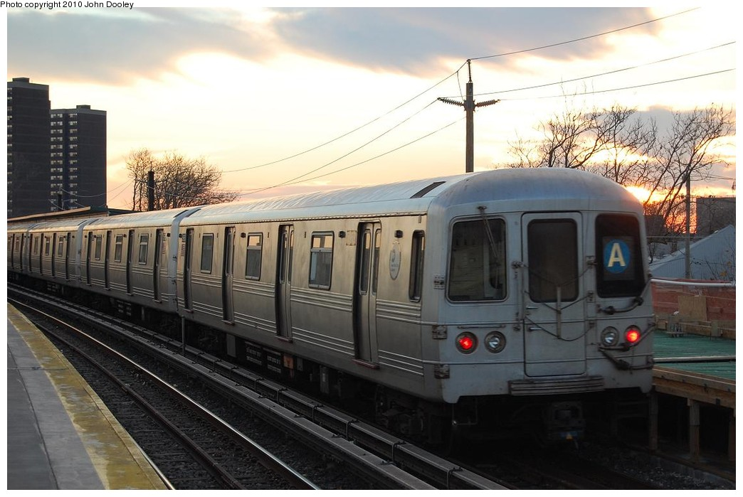 (208k, 1044x699)<br><b>Country:</b> United States<br><b>City:</b> New York<br><b>System:</b> New York City Transit<br><b>Line:</b> IND Rockaway<br><b>Location:</b> Beach 36th Street/Edgemere <br><b>Route:</b> A<br><b>Car:</b> R-46 (Pullman-Standard, 1974-75)  <br><b>Photo by:</b> John Dooley<br><b>Date:</b> 11/29/2010<br><b>Viewed (this week/total):</b> 2 / 1318