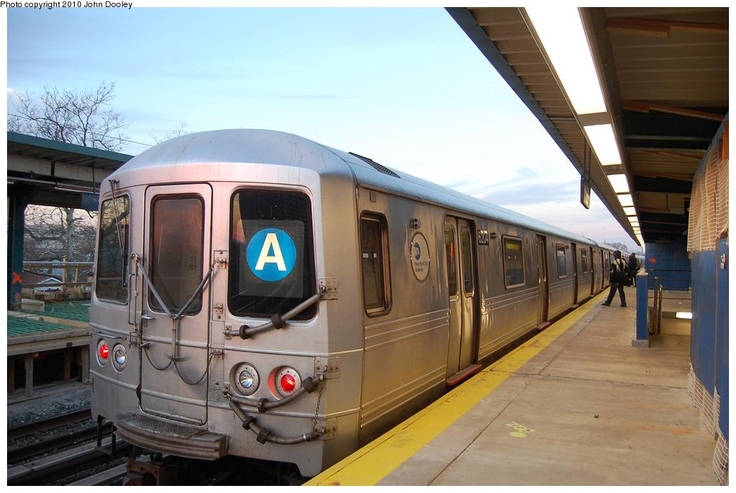 (201k, 1044x699)<br><b>Country:</b> United States<br><b>City:</b> New York<br><b>System:</b> New York City Transit<br><b>Line:</b> IND Rockaway<br><b>Location:</b> Beach 25th Street/Wavecrest <br><b>Route:</b> A<br><b>Car:</b> R-46 (Pullman-Standard, 1974-75)  <br><b>Photo by:</b> John Dooley<br><b>Date:</b> 11/29/2010<br><b>Viewed (this week/total):</b> 0 / 510