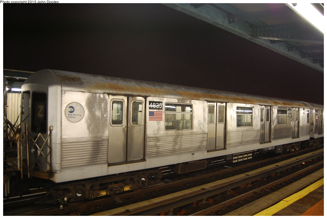 (225k, 1044x699)<br><b>Country:</b> United States<br><b>City:</b> New York<br><b>System:</b> New York City Transit<br><b>Line:</b> BMT Nassau Street/Jamaica Line<br><b>Location:</b> 111th Street <br><b>Route:</b> J layup<br><b>Car:</b> R-42 (St. Louis, 1969-1970)  4835 <br><b>Photo by:</b> John Dooley<br><b>Date:</b> 11/30/2010<br><b>Viewed (this week/total):</b> 3 / 975