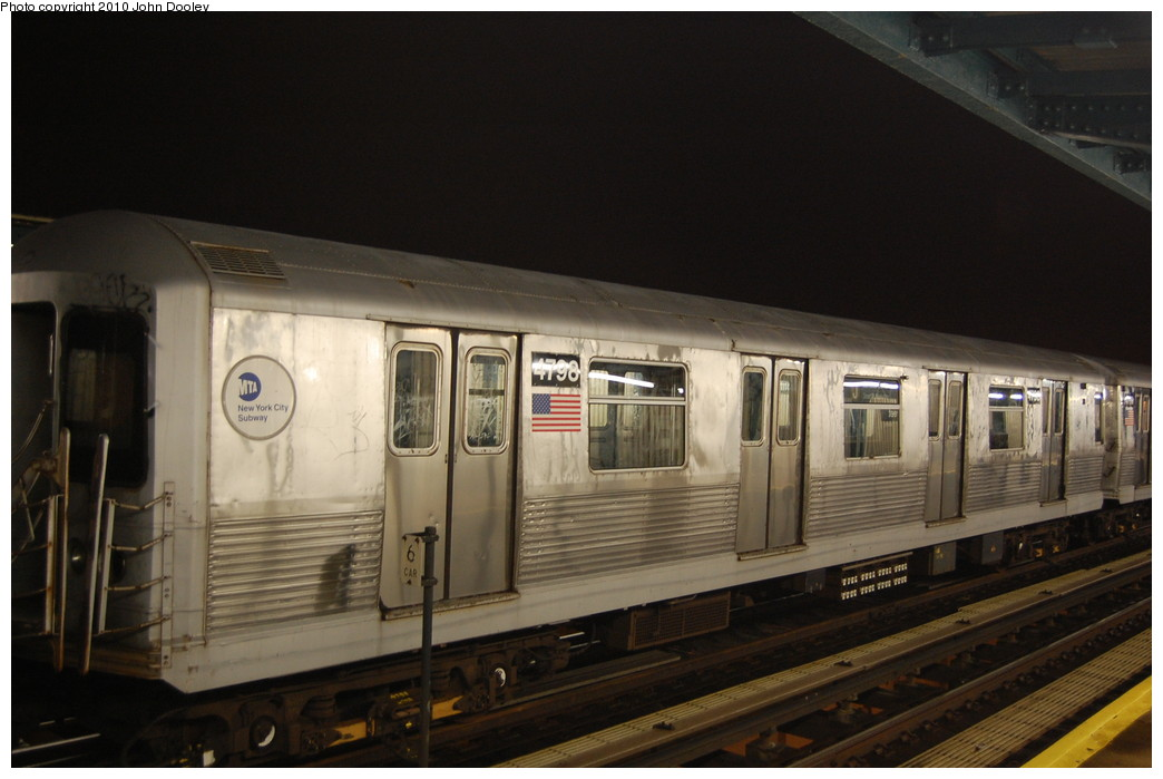 (215k, 1044x699)<br><b>Country:</b> United States<br><b>City:</b> New York<br><b>System:</b> New York City Transit<br><b>Line:</b> BMT Nassau Street/Jamaica Line<br><b>Location:</b> 111th Street <br><b>Route:</b> J layup<br><b>Car:</b> R-42 (St. Louis, 1969-1970)  4798 <br><b>Photo by:</b> John Dooley<br><b>Date:</b> 11/30/2010<br><b>Viewed (this week/total):</b> 0 / 268