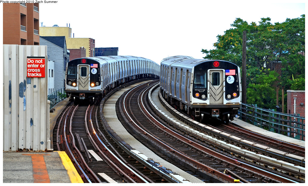 (321k, 1044x630)<br><b>Country:</b> United States<br><b>City:</b> New York<br><b>System:</b> New York City Transit<br><b>Line:</b> BMT Astoria Line<br><b>Location:</b> 30th/Grand Aves. <br><b>Route:</b> Q<br><b>Car:</b> R-160B (Kawasaki, 2005-2008)  8753 <br><b>Photo by:</b> Zach Summer<br><b>Date:</b> 7/7/2010<br><b>Notes:</b> With R-160A-2 8668 N<br><b>Viewed (this week/total):</b> 3 / 1667