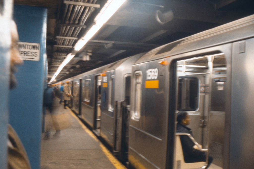 (228k, 1024x690)<br><b>Country:</b> United States<br><b>City:</b> New York<br><b>System:</b> New York City Transit<br><b>Line:</b> IRT East Side Line<br><b>Location:</b> Grand Central <br><b>Route:</b> 4<br><b>Car:</b> R-62 (Kawasaki, 1983-1985)  1409 <br><b>Collection of:</b> Collection of nycsubway.org <br><b>Notes:</b> 1980s<br><b>Viewed (this week/total):</b> 6 / 1398
