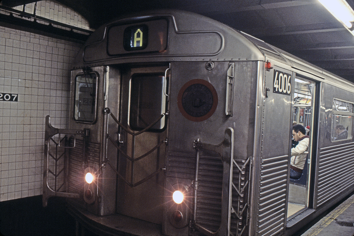 (226k, 1024x691)<br><b>Country:</b> United States<br><b>City:</b> New York<br><b>System:</b> New York City Transit<br><b>Line:</b> IND 8th Avenue Line<br><b>Location:</b> 207th Street <br><b>Route:</b> A<br><b>Car:</b> R-38 (St. Louis, 1966-1967)  4006 <br><b>Collection of:</b> Collection of nycsubway.org <br><b>Notes:</b> 1980s<br><b>Viewed (this week/total):</b> 0 / 1223