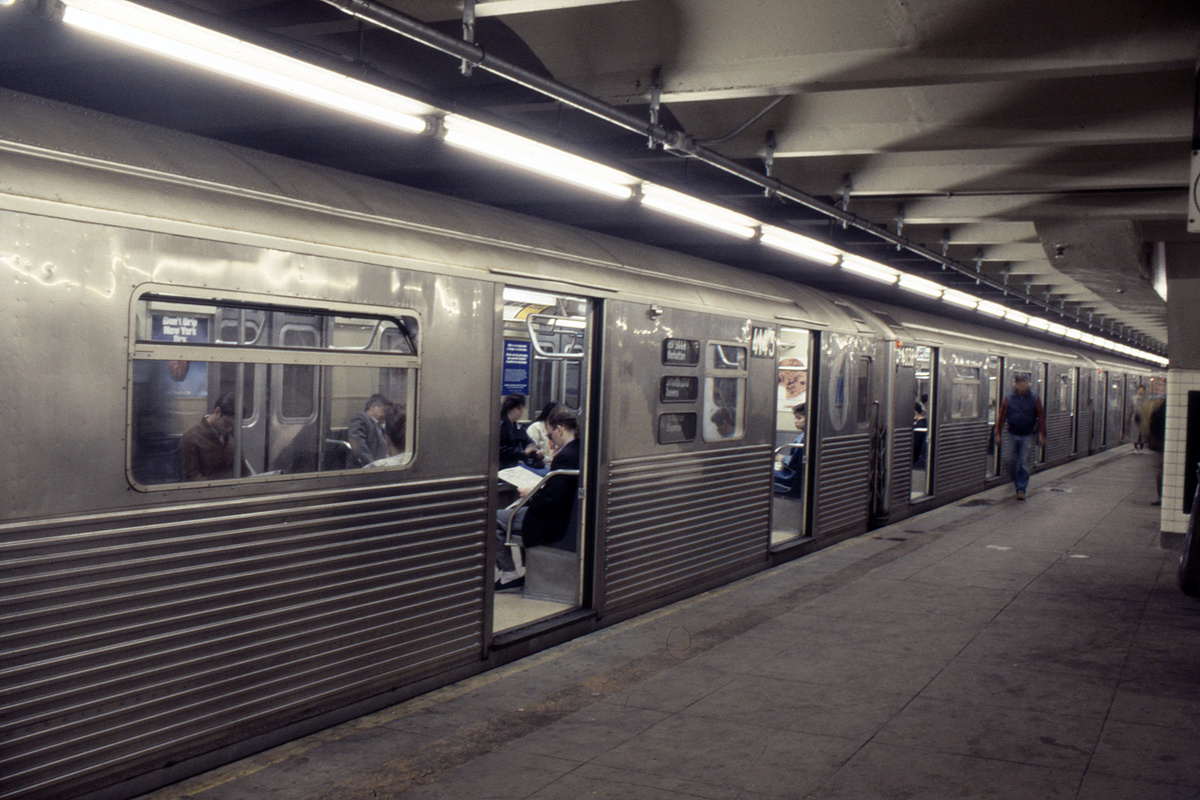 (247k, 1024x690)<br><b>Country:</b> United States<br><b>City:</b> New York<br><b>System:</b> New York City Transit<br><b>Line:</b> IND 8th Avenue Line<br><b>Location:</b> 207th Street <br><b>Route:</b> A<br><b>Car:</b> R-38 (St. Louis, 1966-1967)  4143 <br><b>Collection of:</b> Collection of nycsubway.org <br><b>Notes:</b> 1980s<br><b>Viewed (this week/total):</b> 3 / 2377