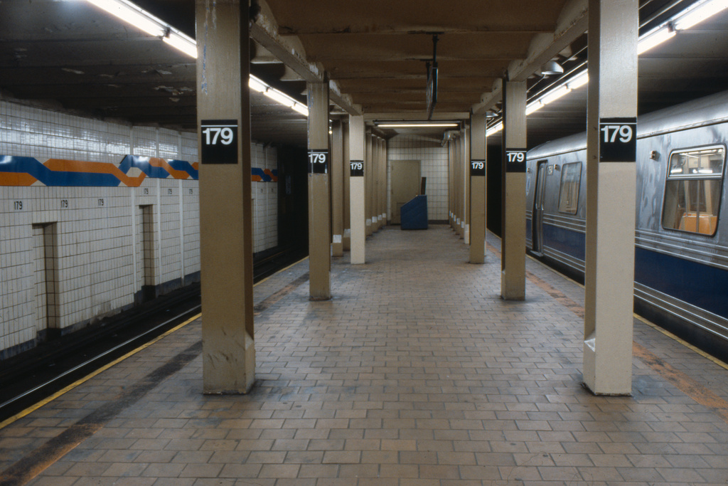 (236k, 1024x688)<br><b>Country:</b> United States<br><b>City:</b> New York<br><b>System:</b> New York City Transit<br><b>Line:</b> IND Queens Boulevard Line<br><b>Location:</b> 179th Street <br><b>Car:</b> R-46 (Pullman-Standard, 1974-75) 754 <br><b>Collection of:</b> Collection of nycsubway.org <br><b>Notes:</b> 1980s<br><b>Viewed (this week/total):</b> 11 / 1274