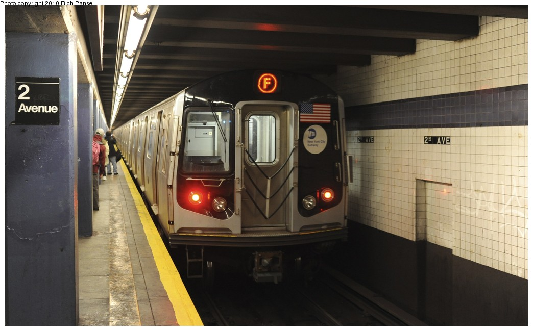 (143k, 1044x649)<br><b>Country:</b> United States<br><b>City:</b> New York<br><b>System:</b> New York City Transit<br><b>Line:</b> IND 6th Avenue Line<br><b>Location:</b> 2nd Avenue <br><b>Route:</b> F<br><b>Car:</b> R-160B (Option 2) (Kawasaki, 2009)  9917 <br><b>Photo by:</b> Richard Panse<br><b>Date:</b> 12/5/2010<br><b>Viewed (this week/total):</b> 0 / 319