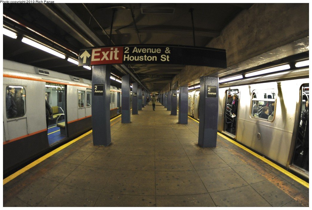 (158k, 1044x702)<br><b>Country:</b> United States<br><b>City:</b> New York<br><b>System:</b> New York City Transit<br><b>Line:</b> IND 6th Avenue Line<br><b>Location:</b> 2nd Avenue <br><b>Route:</b> Fan Trip<br><b>Car:</b> R-7A (Pullman, 1938)  1575 <br><b>Photo by:</b> Richard Panse<br><b>Date:</b> 12/5/2010<br><b>Notes:</b> Nostalgia train- Sunday Shoppers Special<br><b>Viewed (this week/total):</b> 1 / 451