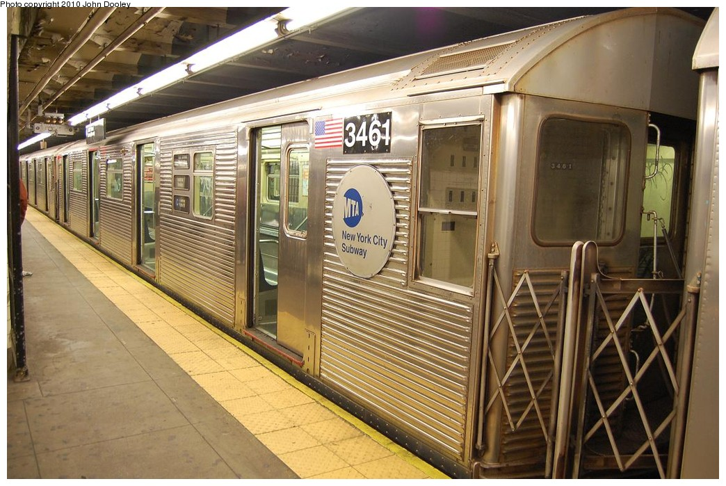 (256k, 1044x699)<br><b>Country:</b> United States<br><b>City:</b> New York<br><b>System:</b> New York City Transit<br><b>Line:</b> IND 8th Avenue Line<br><b>Location:</b> 168th Street <br><b>Route:</b> C<br><b>Car:</b> R-32 (Budd, 1964)  3461 <br><b>Photo by:</b> John Dooley<br><b>Date:</b> 12/3/2010<br><b>Viewed (this week/total):</b> 0 / 863