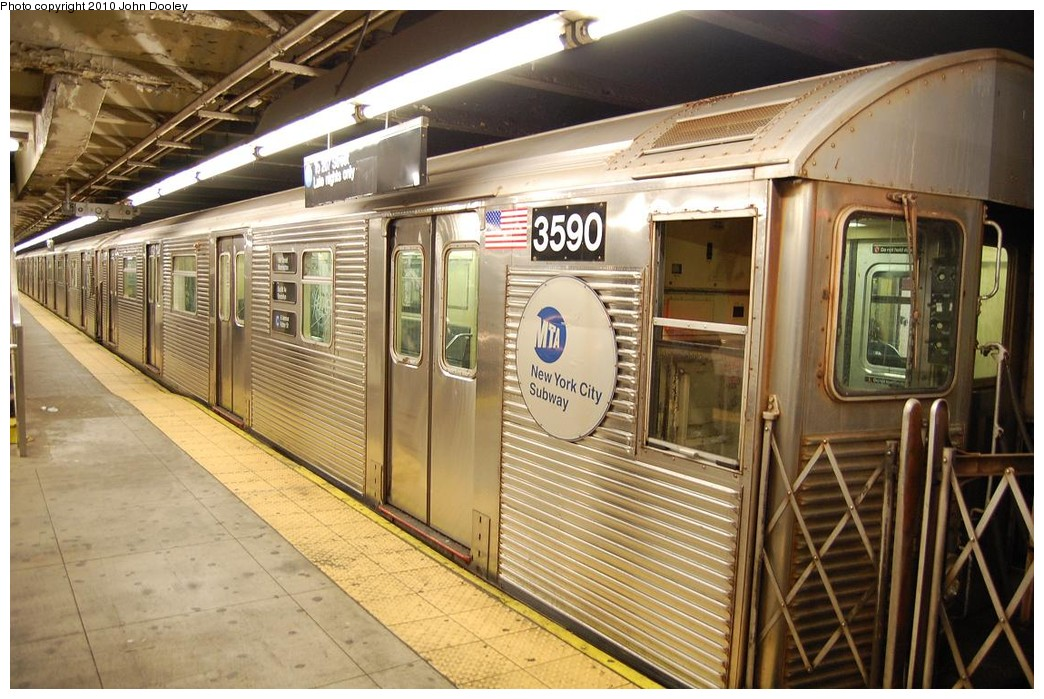 (251k, 1044x699)<br><b>Country:</b> United States<br><b>City:</b> New York<br><b>System:</b> New York City Transit<br><b>Line:</b> IND 8th Avenue Line<br><b>Location:</b> 168th Street <br><b>Route:</b> C<br><b>Car:</b> R-32 (Budd, 1964)  3590 <br><b>Photo by:</b> John Dooley<br><b>Date:</b> 12/3/2010<br><b>Viewed (this week/total):</b> 3 / 265