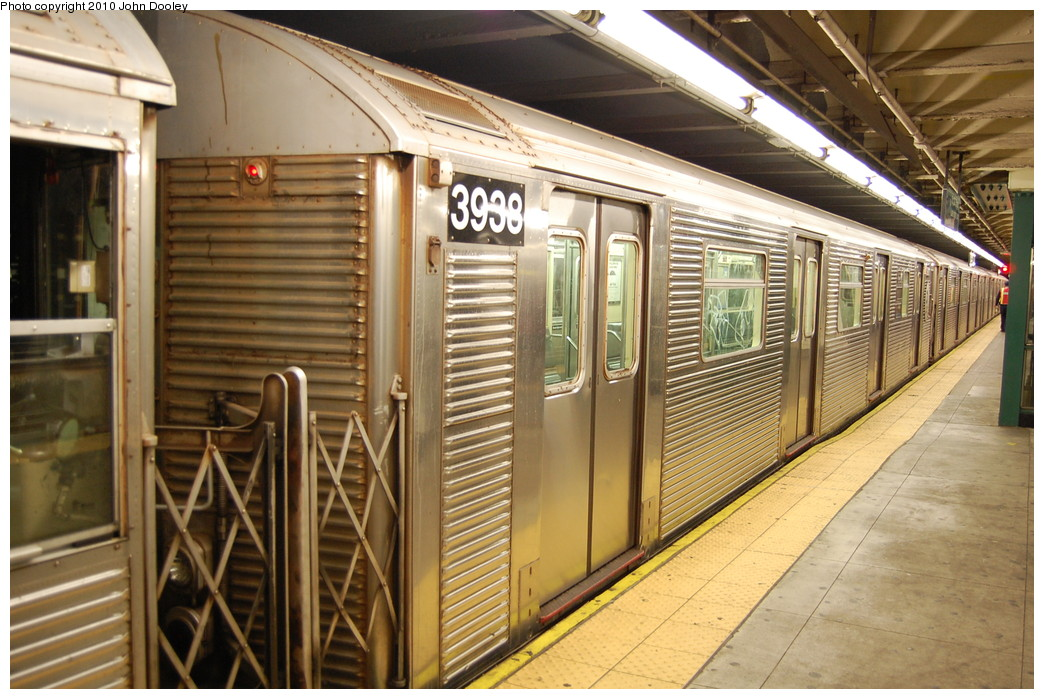 (288k, 1044x699)<br><b>Country:</b> United States<br><b>City:</b> New York<br><b>System:</b> New York City Transit<br><b>Line:</b> IND 8th Avenue Line<br><b>Location:</b> 168th Street <br><b>Route:</b> C<br><b>Car:</b> R-32 (Budd, 1964)  3938 <br><b>Photo by:</b> John Dooley<br><b>Date:</b> 12/3/2010<br><b>Viewed (this week/total):</b> 7 / 346