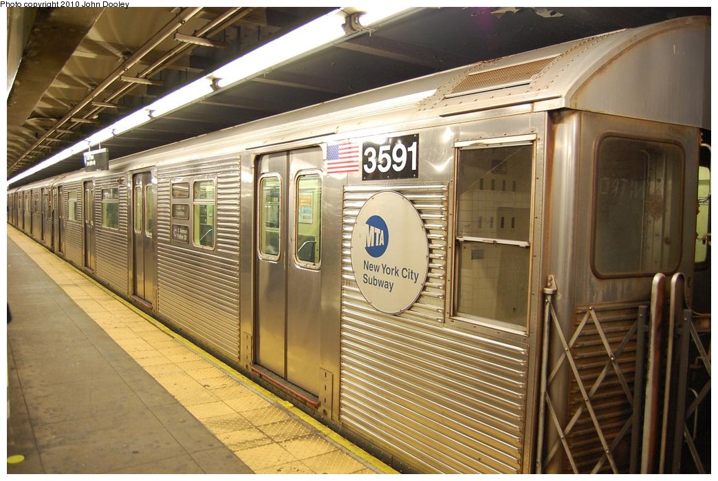 (247k, 1044x699)<br><b>Country:</b> United States<br><b>City:</b> New York<br><b>System:</b> New York City Transit<br><b>Line:</b> IND 8th Avenue Line<br><b>Location:</b> 168th Street <br><b>Route:</b> C<br><b>Car:</b> R-32 (Budd, 1964)  3591 <br><b>Photo by:</b> John Dooley<br><b>Date:</b> 12/3/2010<br><b>Viewed (this week/total):</b> 1 / 770