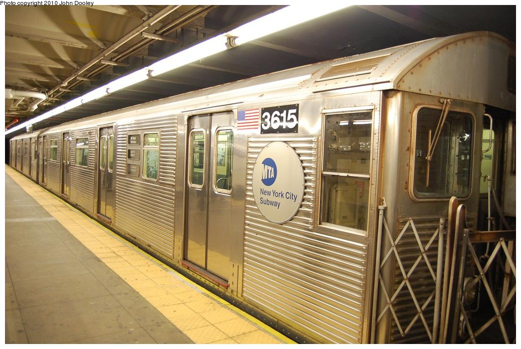 (241k, 1044x699)<br><b>Country:</b> United States<br><b>City:</b> New York<br><b>System:</b> New York City Transit<br><b>Line:</b> IND 8th Avenue Line<br><b>Location:</b> 168th Street <br><b>Route:</b> C<br><b>Car:</b> R-32 (Budd, 1964)  3615 <br><b>Photo by:</b> John Dooley<br><b>Date:</b> 12/3/2010<br><b>Viewed (this week/total):</b> 0 / 299