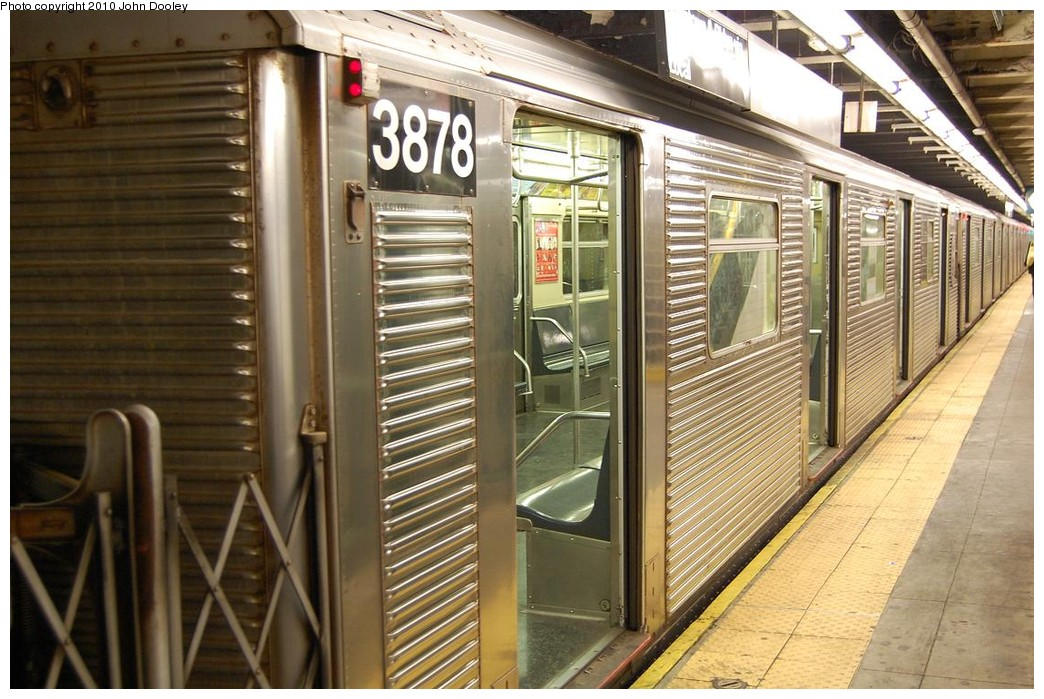 (249k, 1044x699)<br><b>Country:</b> United States<br><b>City:</b> New York<br><b>System:</b> New York City Transit<br><b>Line:</b> IND 8th Avenue Line<br><b>Location:</b> 168th Street <br><b>Route:</b> C<br><b>Car:</b> R-32 (Budd, 1964)  3878 <br><b>Photo by:</b> John Dooley<br><b>Date:</b> 12/3/2010<br><b>Viewed (this week/total):</b> 0 / 188