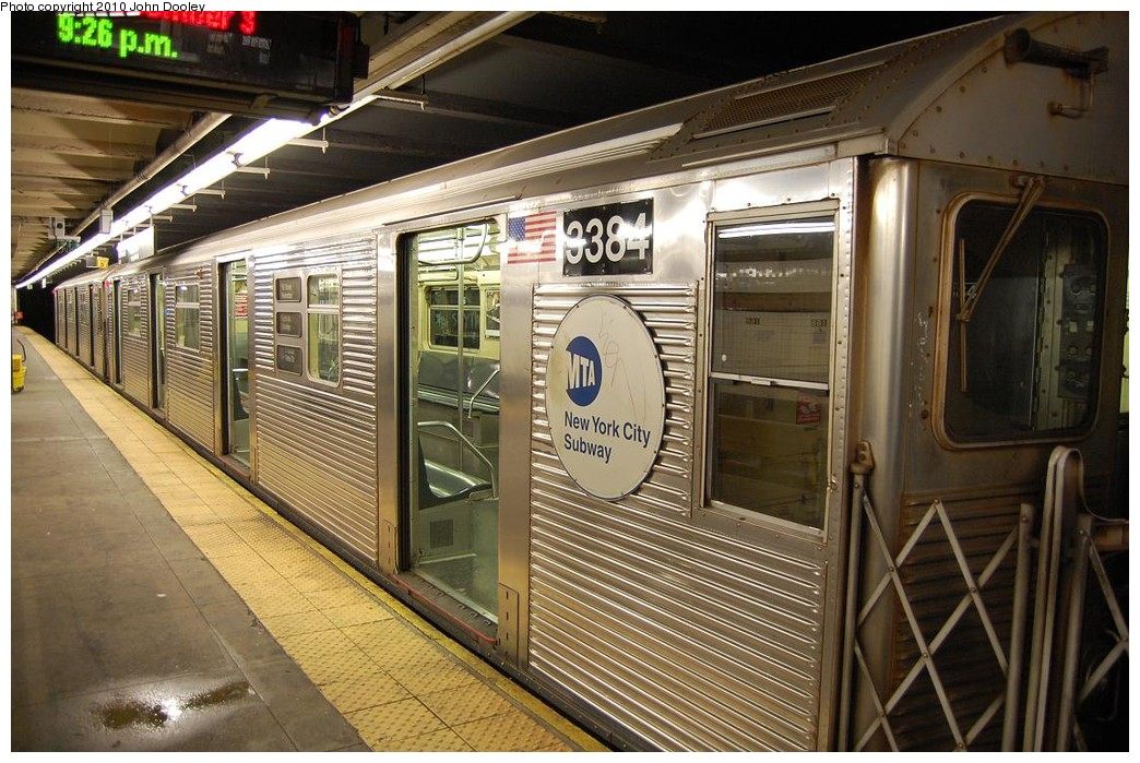 (261k, 1044x699)<br><b>Country:</b> United States<br><b>City:</b> New York<br><b>System:</b> New York City Transit<br><b>Line:</b> IND 8th Avenue Line<br><b>Location:</b> 168th Street <br><b>Route:</b> C<br><b>Car:</b> R-32 (Budd, 1964)  3384 <br><b>Photo by:</b> John Dooley<br><b>Date:</b> 12/3/2010<br><b>Viewed (this week/total):</b> 0 / 425