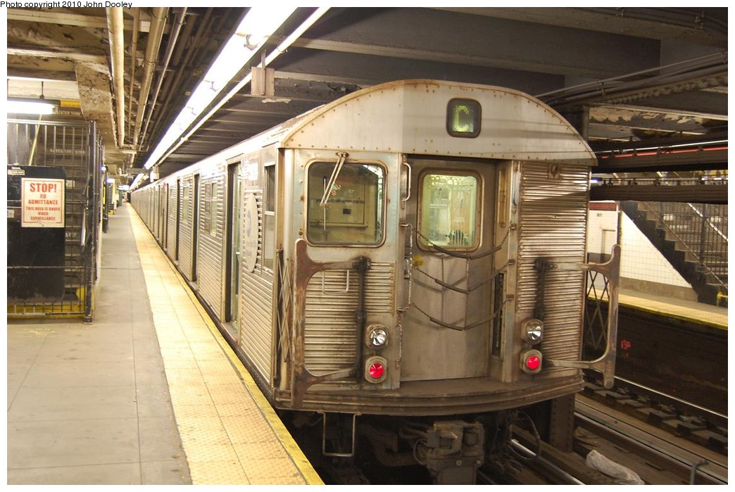 (234k, 1044x699)<br><b>Country:</b> United States<br><b>City:</b> New York<br><b>System:</b> New York City Transit<br><b>Line:</b> IND 8th Avenue Line<br><b>Location:</b> 168th Street <br><b>Route:</b> C<br><b>Car:</b> R-32 (Budd, 1964)   <br><b>Photo by:</b> John Dooley<br><b>Date:</b> 12/3/2010<br><b>Viewed (this week/total):</b> 0 / 374