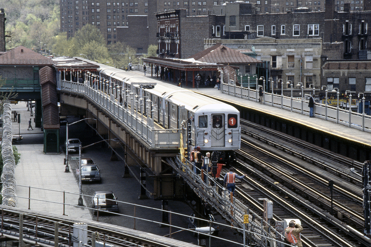 (339k, 1024x687)<br><b>Country:</b> United States<br><b>City:</b> New York<br><b>System:</b> New York City Transit<br><b>Line:</b> IRT West Side Line<br><b>Location:</b> 207th Street <br><b>Route:</b> 1<br><b>Car:</b> R-62A (Bombardier, 1984-1987)   <br><b>Collection of:</b> Collection of nycsubway.org <br><b>Notes:</b> 1980s<br><b>Viewed (this week/total):</b> 1 / 2748