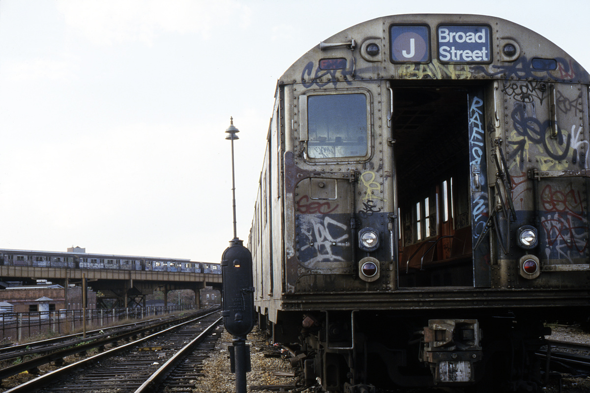 (212k, 1024x681)<br><b>Country:</b> United States<br><b>City:</b> New York<br><b>System:</b> New York City Transit<br><b>Location:</b> East New York Yard/Shops<br><b>Car:</b> R-30 (St. Louis, 1961)  <br><b>Collection of:</b> Collection of nycsubway.org <br><b>Notes:</b> 1980s<br><b>Viewed (this week/total):</b> 4 / 1688