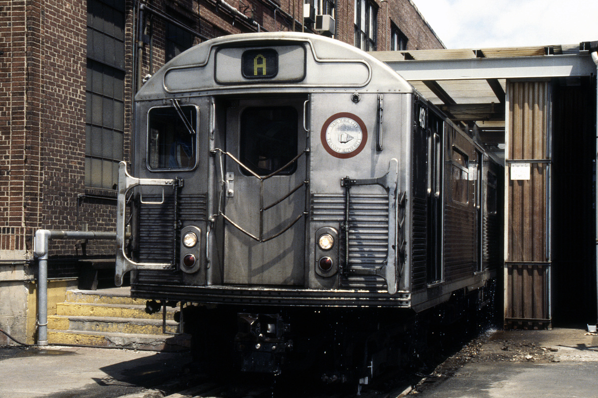 (283k, 1024x694)<br><b>Country:</b> United States<br><b>City:</b> New York<br><b>System:</b> New York City Transit<br><b>Location:</b> 207th Street Shop<br><b>Car:</b> R-38 (St. Louis, 1966-1967)  4131 <br><b>Collection of:</b> Collection of nycsubway.org <br><b>Notes:</b> 1980s<br><b>Viewed (this week/total):</b> 1 / 1128