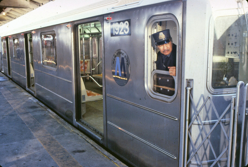 (233k, 1024x689)<br><b>Country:</b> United States<br><b>City:</b> New York<br><b>System:</b> New York City Transit<br><b>Car:</b> R-62A (Bombardier, 1984-1987)  1923 <br><b>Collection of:</b> Collection of nycsubway.org <br><b>Notes:</b> 1980s<br><b>Viewed (this week/total):</b> 3 / 1336
