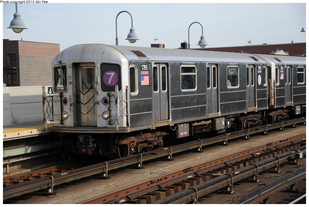 (263k, 1044x701)<br><b>Country:</b> United States<br><b>City:</b> New York<br><b>System:</b> New York City Transit<br><b>Line:</b> IRT Flushing Line<br><b>Location:</b> 46th Street/Bliss Street <br><b>Route:</b> 7<br><b>Car:</b> R-62A (Bombardier, 1984-1987)  1785 <br><b>Photo by:</b> Gin Yee<br><b>Date:</b> 11/18/2010<br><b>Viewed (this week/total):</b> 2 / 899