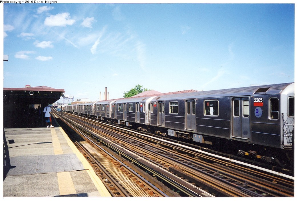 (205k, 1044x708)<br><b>Country:</b> United States<br><b>City:</b> New York<br><b>System:</b> New York City Transit<br><b>Line:</b> IRT West Side Line<br><b>Location:</b> 207th Street <br><b>Route:</b> 1<br><b>Car:</b> R-62A (Bombardier, 1984-1987)  2265 <br><b>Photo by:</b> Daniel Negron<br><b>Notes:</b> 1990s<br><b>Viewed (this week/total):</b> 3 / 540