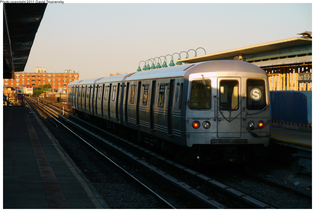 (182k, 1044x703)<br><b>Country:</b> United States<br><b>City:</b> New York<br><b>System:</b> New York City Transit<br><b>Line:</b> IND Rockaway<br><b>Location:</b> Beach 105th Street/Seaside <br><b>Route:</b> S<br><b>Car:</b> R-46 (Pullman-Standard, 1974-75)  <br><b>Photo by:</b> David Tropiansky<br><b>Date:</b> 8/27/2010<br><b>Viewed (this week/total):</b> 0 / 305
